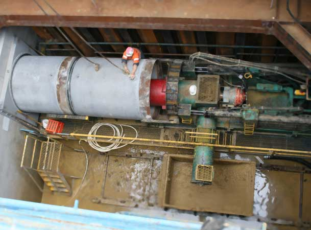 Auger Boring Spoil Extraction Microtunneling Spoil into Bucket