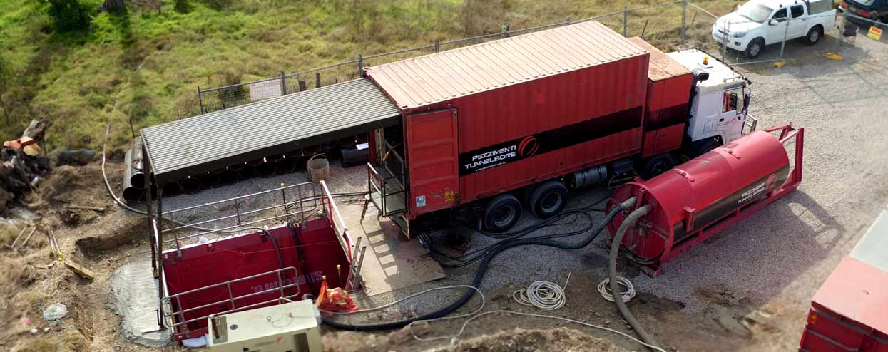 Pezzimenti Tunnelbore Microtunneling Site Setup Gantry Shaft and Water Bin