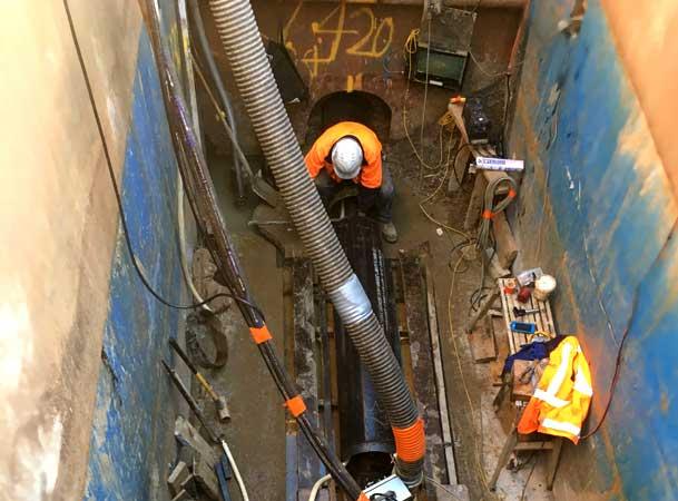 Rileys Creek Pezzimenti Operator loading Microtunnelling Rod