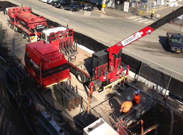 Barrangaroo Microtunnelling Pezzimenti Vacuum Truck Crane Truck Rods