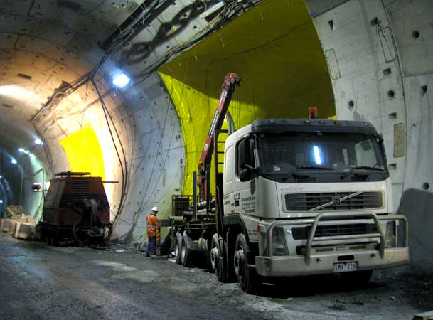 Clem7-Road-Tunnel-Pezzimenti-Microtunneling-Truck-and-PowerPack