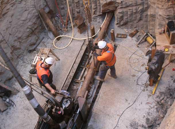 Harrington Grove Pezzimenti Microtunneling Setting up a rod