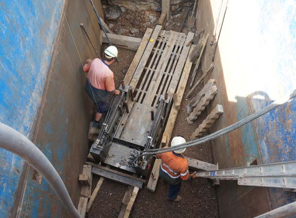 Kellyville Pezzimenti Microtunneling setting up the jacking frame