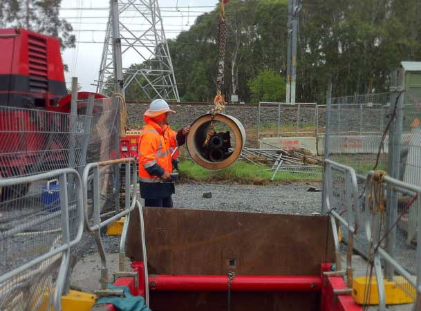 Rootyhill Microtunneling Under Railway Craning Jacking Pipes