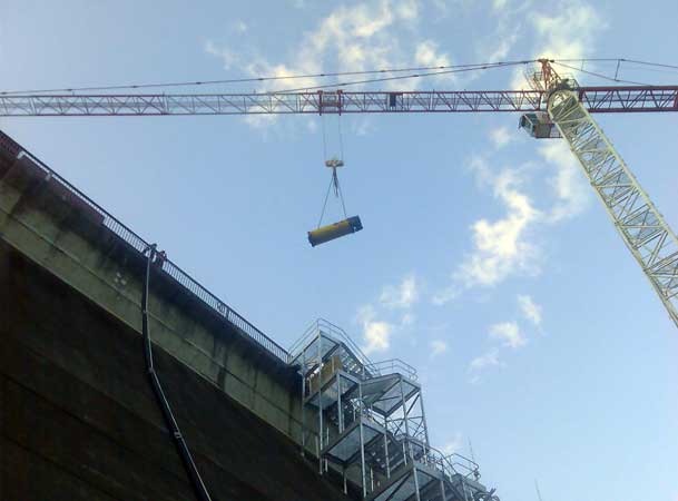 Tallowa Dam Microtunneling Head being craned in