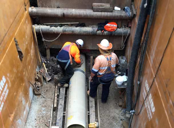 Menangle Pezzimenti Tunnelbore Installing Carrier Pipe
