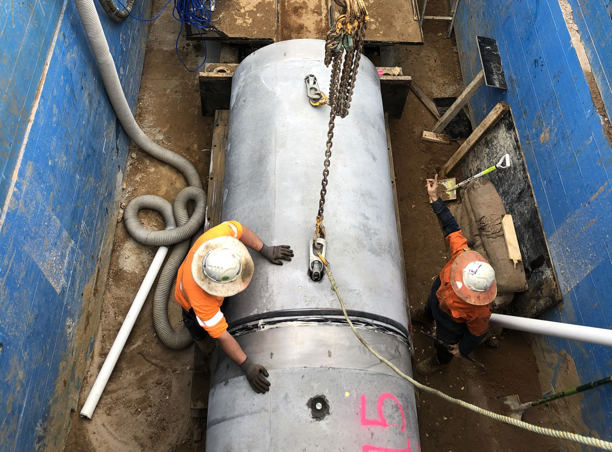 Penrith Open Faced Shield Microtunnelling Craning Jacking Pipes